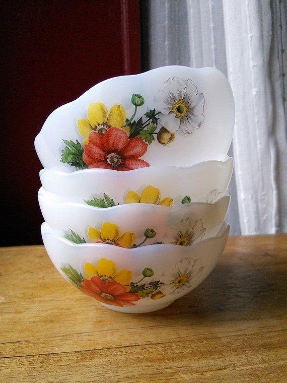 Small Cafe au Lait Cups Milk Glass Bowls 4 Vintage Retro Arcopal Red ...