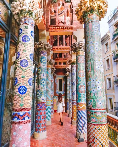 The most frequent question I get asked on Instagram is to know where I took my Barcelona photos. Because there are so many good places to see in Barcelona and things to do, I decided to finally take the time to create a guide to the city's 25 most Instagrammable spots, based off where I've been and also other influencers. In this guide you'll find some of the best places to visit in Barcelona, from the Sagrada Familia to the Montjuïc Cable Cars. To make it easier for everyone, I've also ...