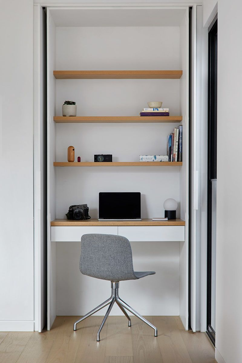 Home Office Ideas This modern house has a small home office with