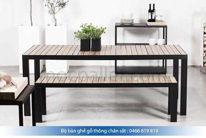 Bộ bàn ghế gỗ thông chân sắt BGS1