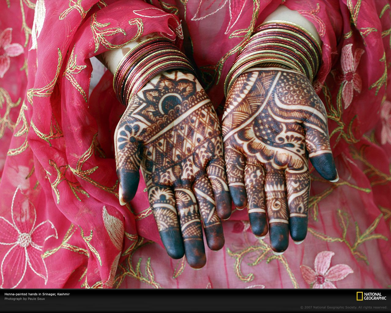 Mehndi Tattoo Hd : The common point between a foodista and an explorer ? discovery