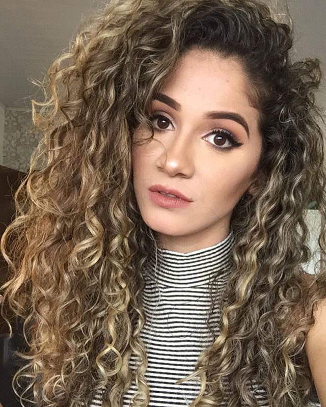 Ombre Hair Coloring Ideas For Natural Hair Curly Hair: Pin By BRIANAA🌹 On H A I R €� W E €� G O In 2019