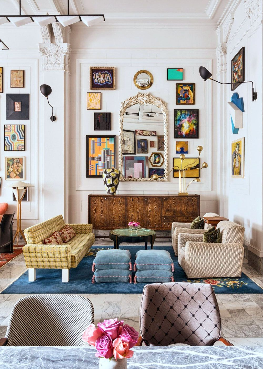 This Living Room Is The Quintessential Artful Eclectic Interior It Mixes High And Low Priced Furniture Acc Eclectic Living Room Eclectic Home Eclectic Decor