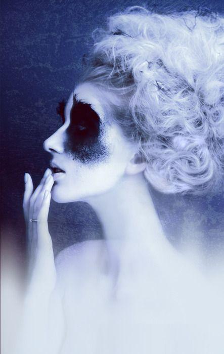 präsentiert von www.my-hair-and-me.de #women #hair #haare #blue #blau #white #makeup #black #schwarz #profil