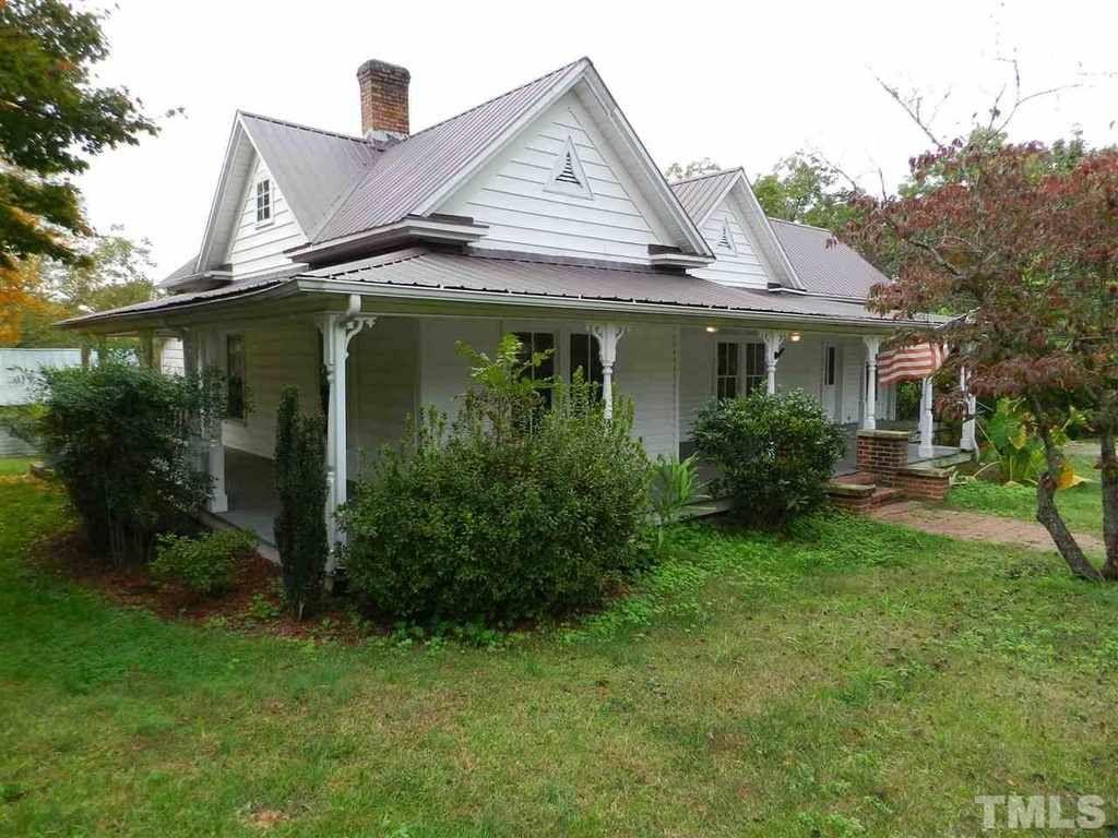1910 Moncure Nc 152 000 Old House Dreams Cottage Design Plans Victorian Homes Victorian House Plans