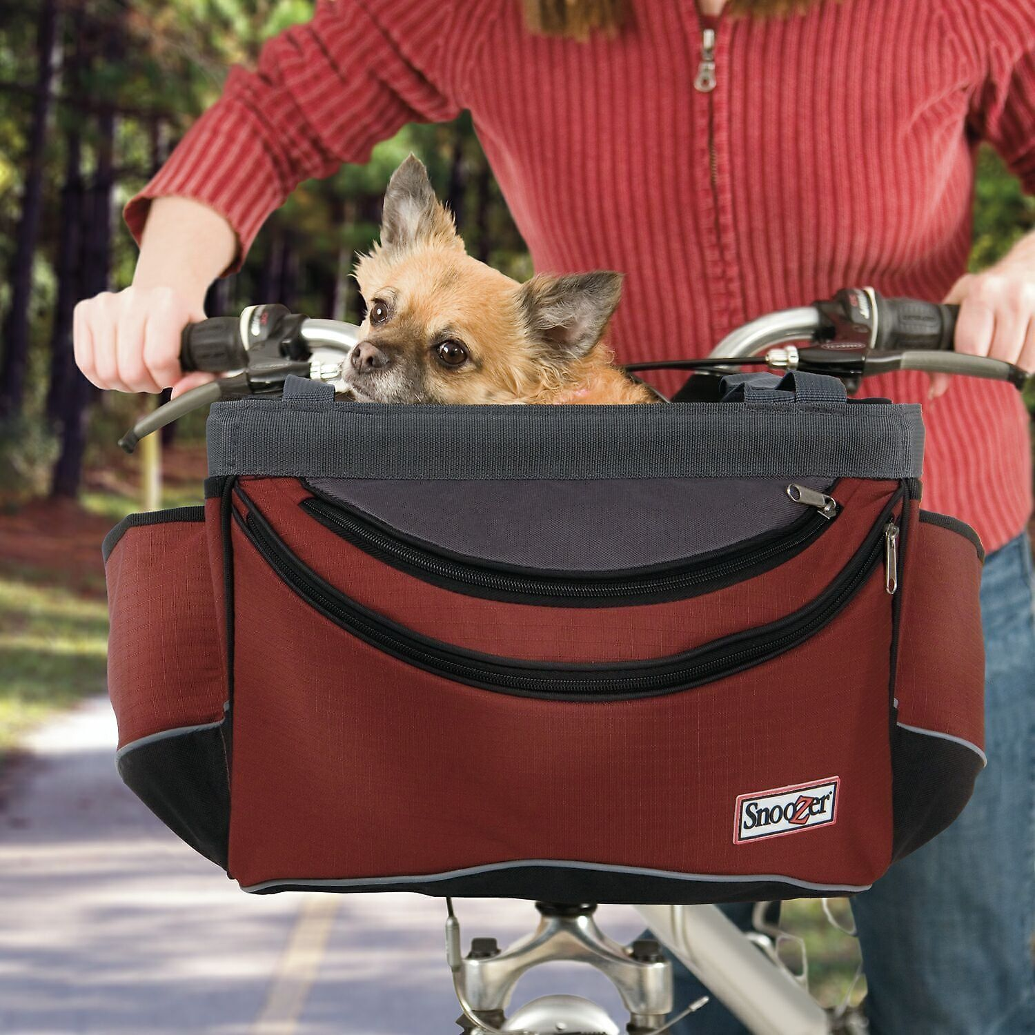 Take your adventurous pet out for a ride with the Snoozer