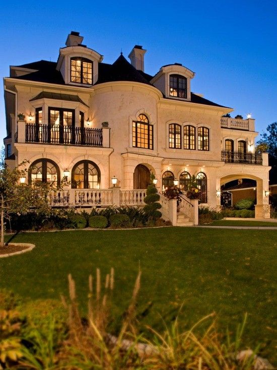 Dream house exterior design exterior and traditional for Luxury traditional homes