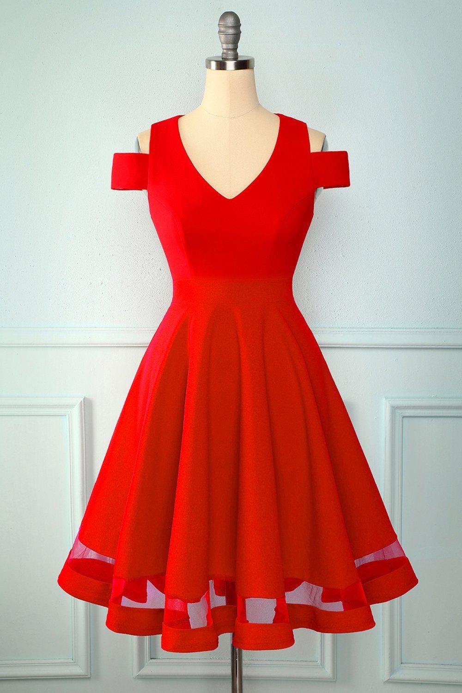 Rotes Kleid Mit Kalter Schulter In 2020 Schone Rote Kleider Rotes Abendkleid Rot Anziehen