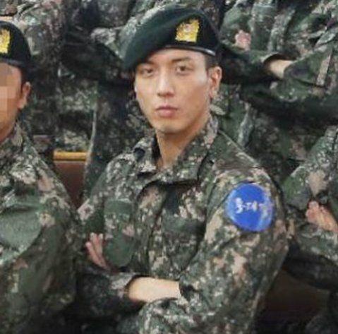 jung yong hwa military