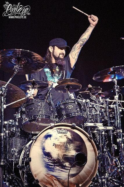 Mike Portnoy - Live with Neal Morse (2013) by THE PIXELEYE // Dirk Behlau, via Flickr