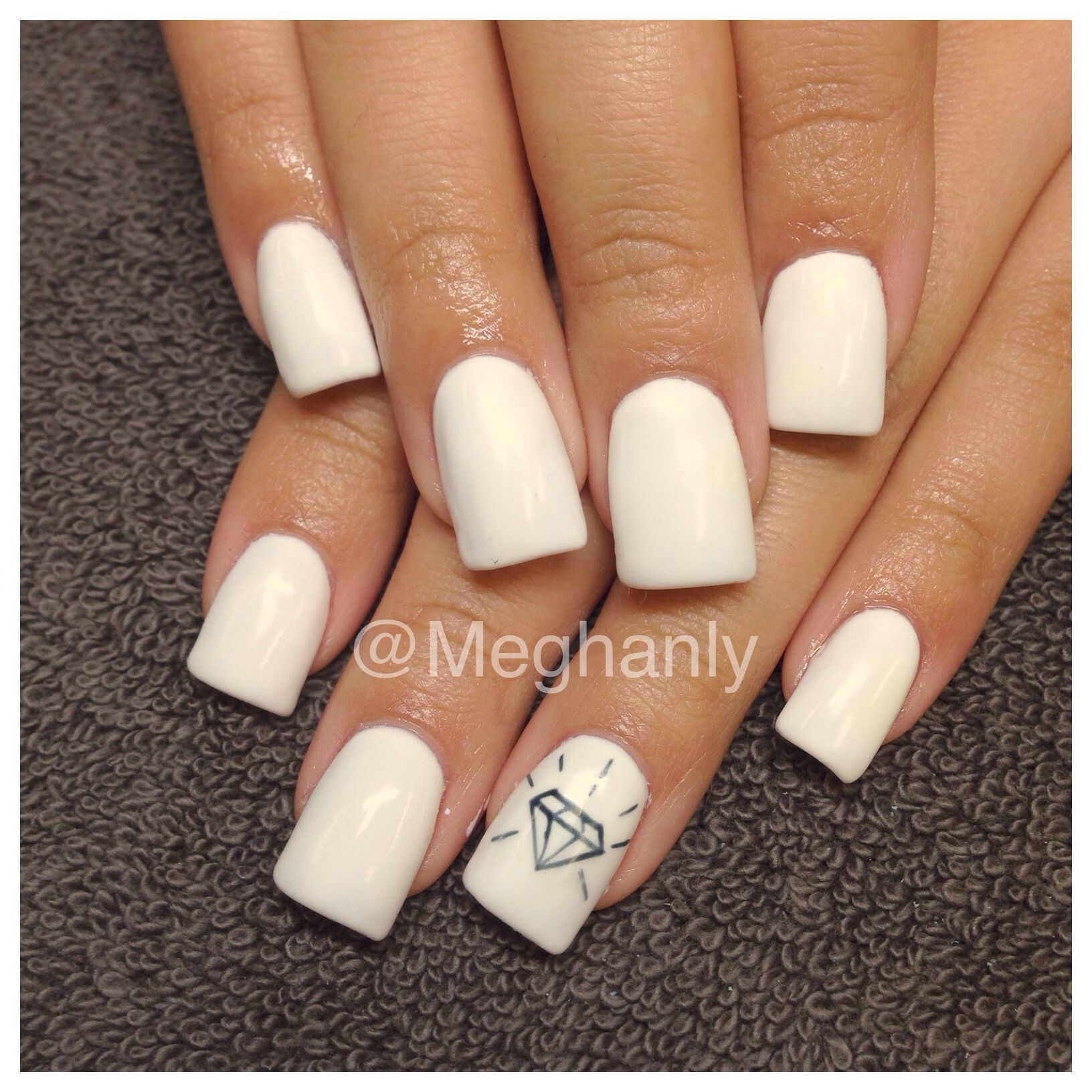 All white nails, diamond nails | Nails by me | Pinterest