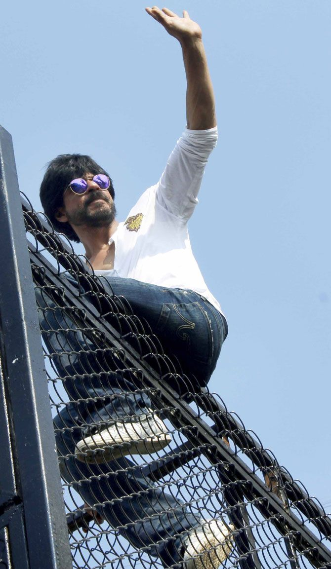 Shah Rukh Khan greets his fans outside his bungalow Mannat