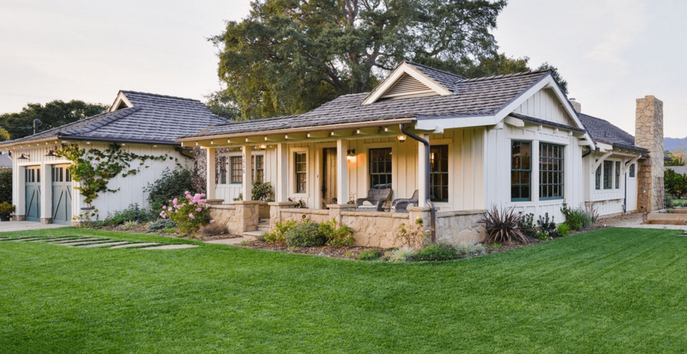 10 White Exterior Ideas for a Bright, Modern Home Ranch