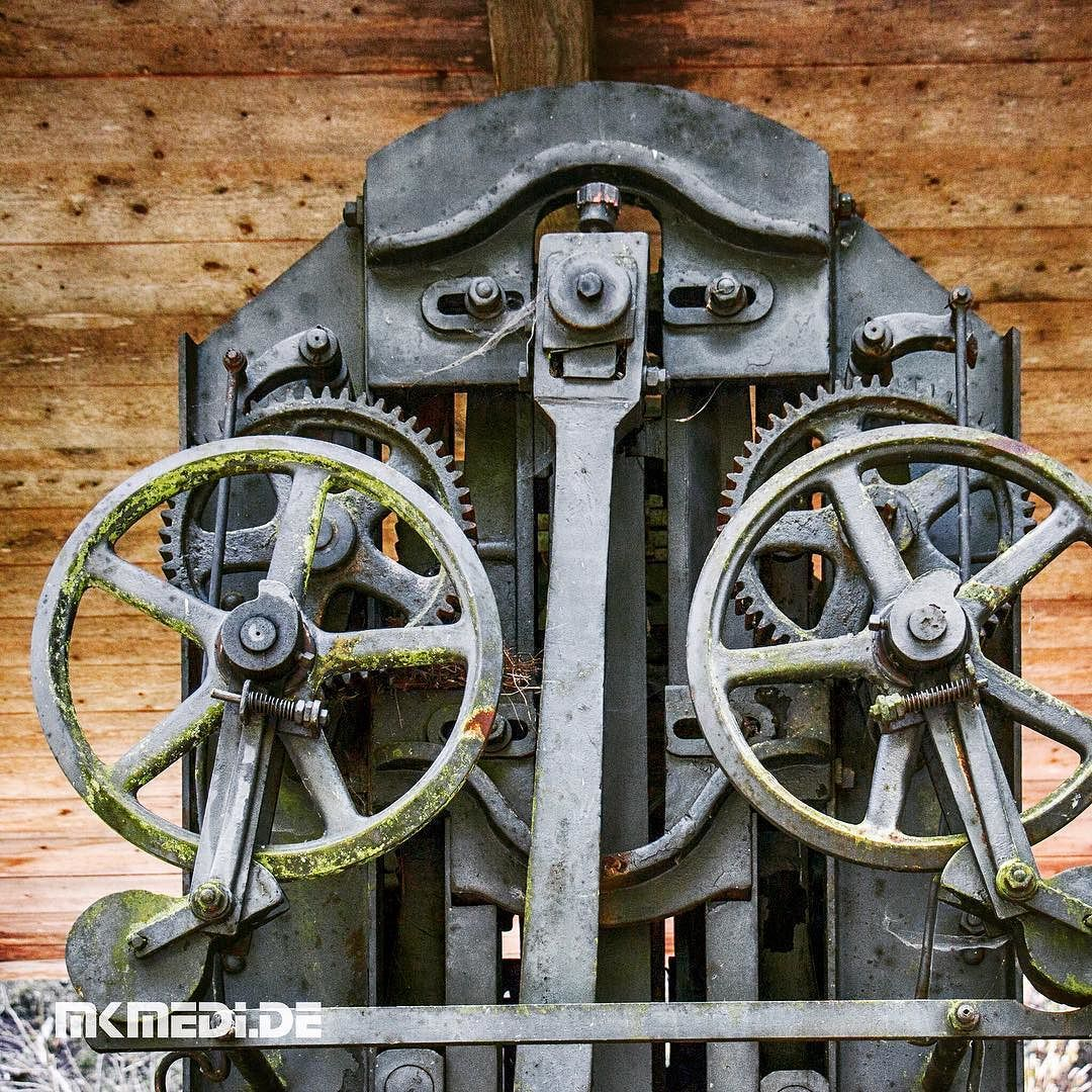 Markus Medinger Picture of the Day | Bild des Tages 26.09.2016 | www.mkmedi.de #mkmedi  Sägemaschine Wurster & Dietz Tübingen  #sägemaschine #sawingmachines #lostplace #abandoned #abandonedplaces #urbex #urbanex #urbanexploring #urbanexploration #verlassen #verlasseneorte  #schwarzwald #badenwuerttemberg #germany #deutschland  #instagood #photography #photo #art #photographer #exposure #composition #focus #capture #moment #365picture #365DailyPicture #pictureoftheday #bilddestages…