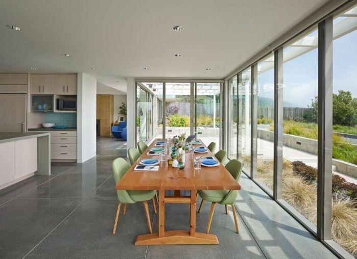 muebles de salon, comedor grande con mesa de madera y sillas verdes ...