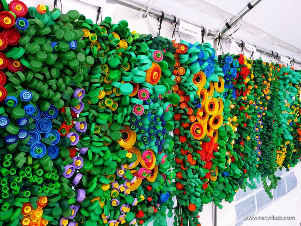 Vegetal wall made of thousands of plastic caps reused by french artist cicia hartmann go green - Can you recycle bottle caps ...