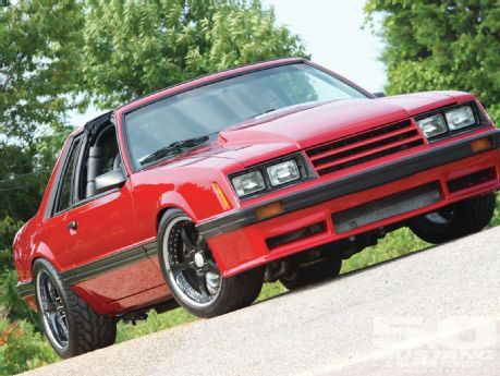 1981 ford mustang level up not many fox coupes are on. Black Bedroom Furniture Sets. Home Design Ideas