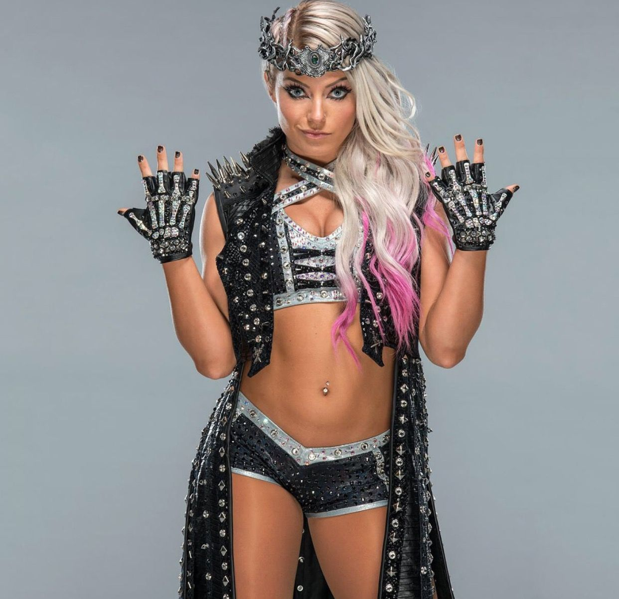 Pin By Jason Cook On Alexa Bliss Queen Of The Ring Wwe Girls Raw Women S Champion