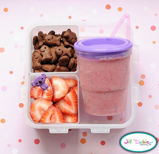 And finally, another super easy morning nutrition break bento. She got a frozen strawberry smoothie (defrosted by her break), a container of goldfish chocolate grahams, and a container of sliced strawberries with a cute pick.