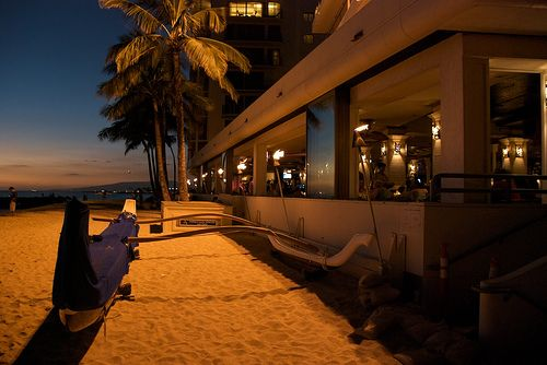 Outrigger Reef Hotel One Of My Favorite Places To Stay In Waikiki Just A Few Steps And You Re On The Beach