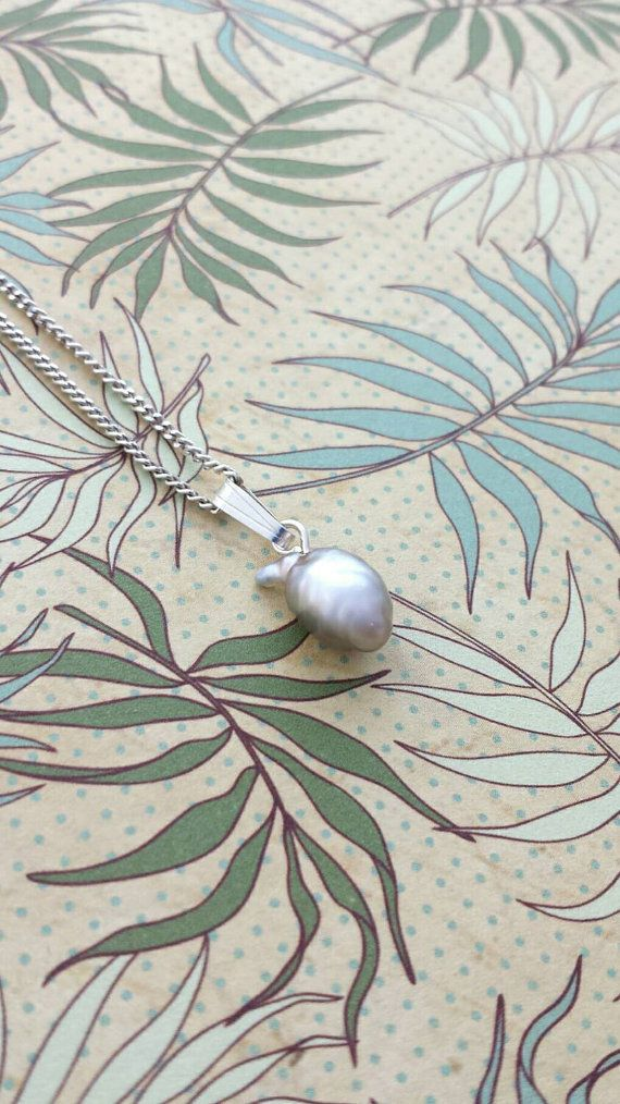 Keshi pearl silver pendant