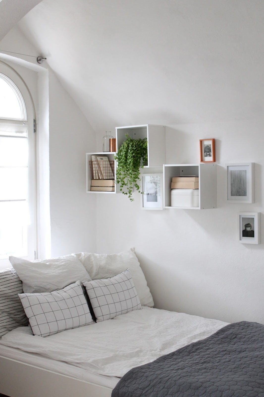 Wohn Schlafzimmer Inspiration Spare Room Decor Inspiration Love Those Shelves Home In 2019
