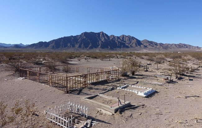 Boulder City Pet Cemetery And Alleged Mafia Burial Site Boulder City City Pets Pet Cemetery