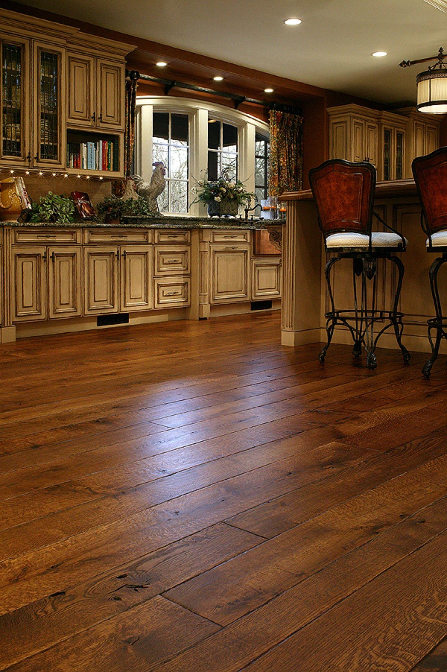 White Oak Livesawn Brandon (multiple widths) Wood floor