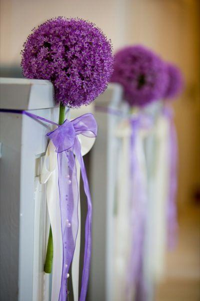 Kirchenschmuck mit nur einer Blume Meine Hochzeit
