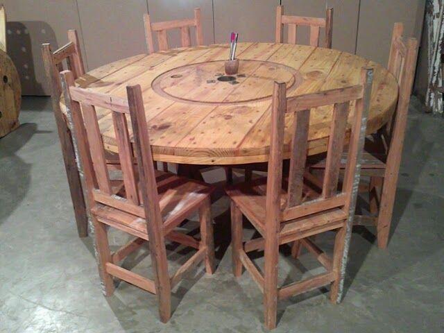 Velho Rstico mesa redonda  madeira demolio