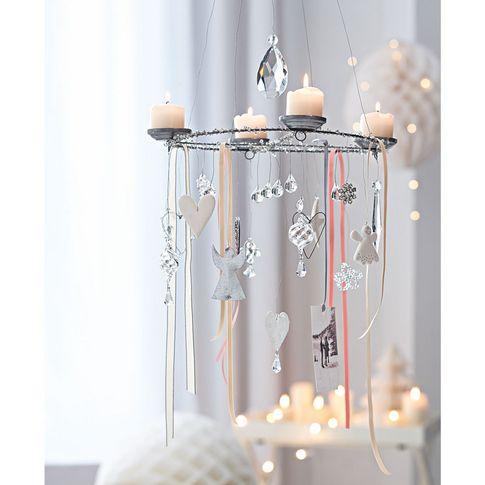 h ngekranz in rund bei impressionen weihnachten deko. Black Bedroom Furniture Sets. Home Design Ideas