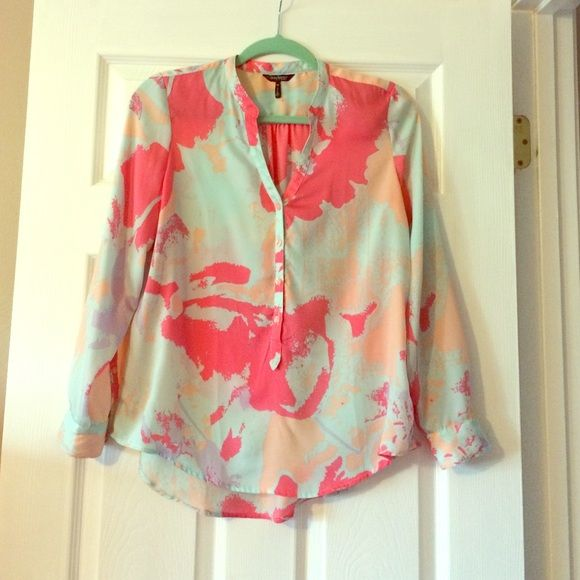 Spring Blouse Petite M. Peach, lavender, pink and light blue. Super cute blouse! Good used condition! Only has 2 very small spots (seen in 2nd picture). Would look really cute with a pair of white jeans and wedges or sandals! Daisy Fuentes Tops Blouses