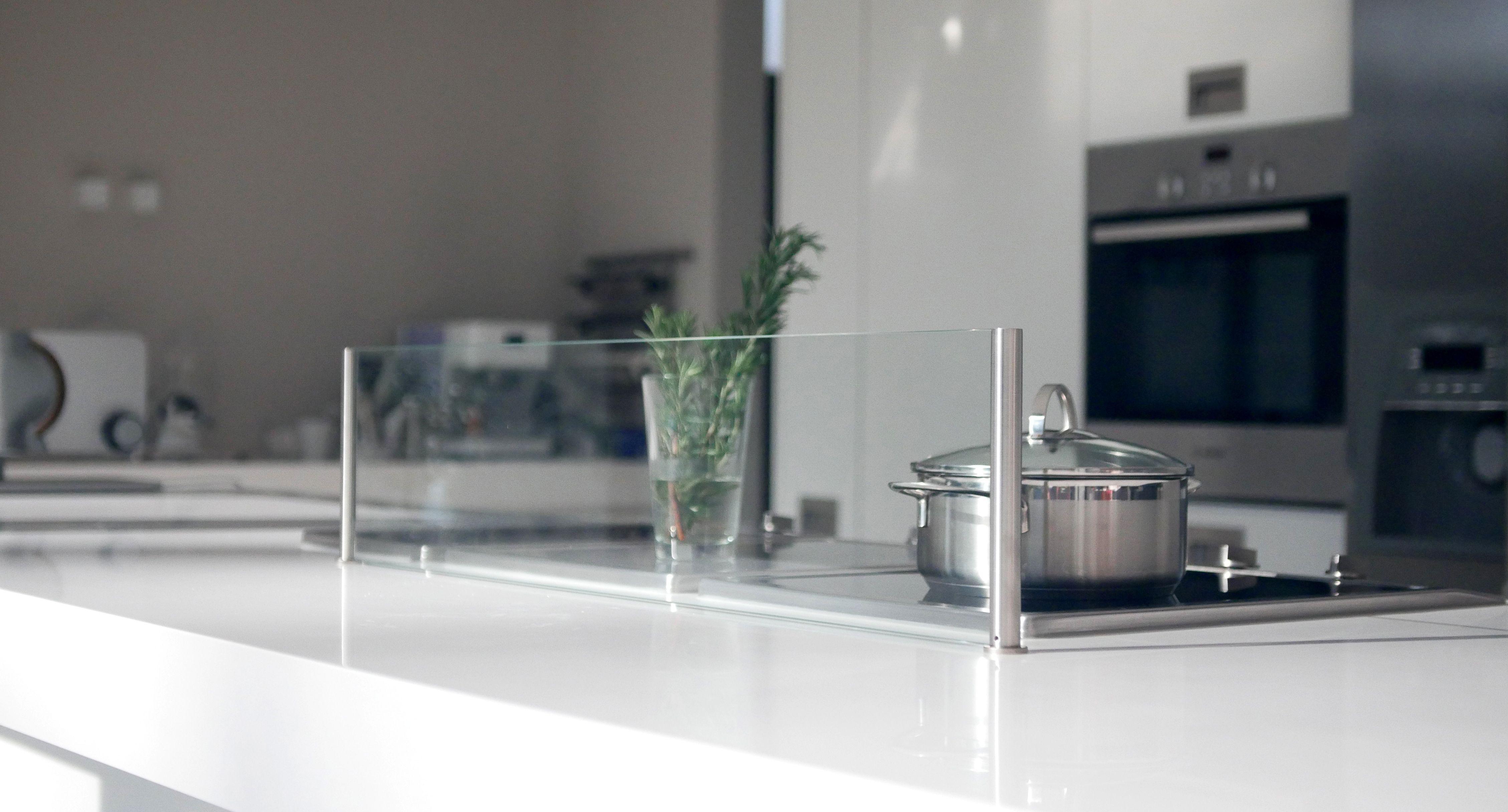 halterung f r spritzschutz k che couchtisch glas quadratisch preisvergleich die besten. Black Bedroom Furniture Sets. Home Design Ideas