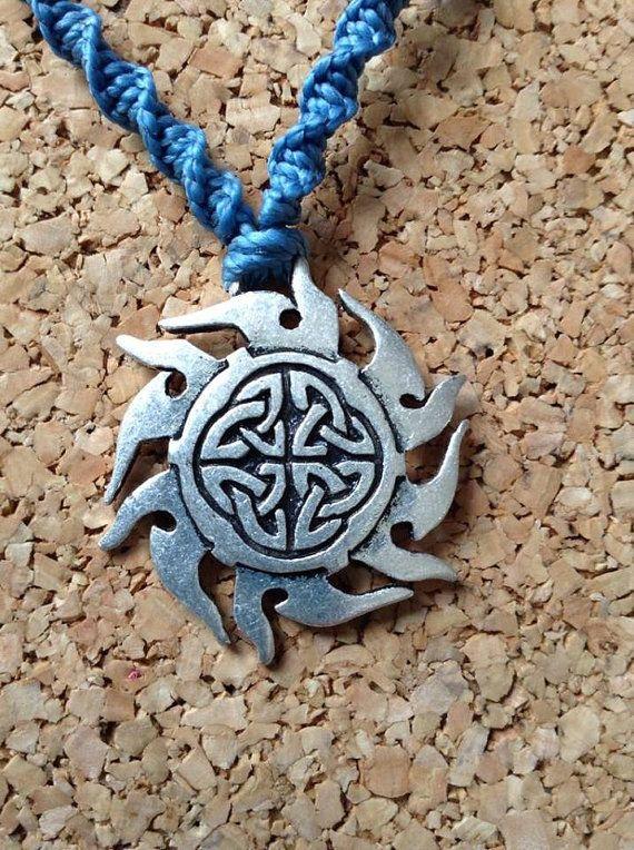 Celtic knot Macrame Necklace by RCnKMacrame on Etsy