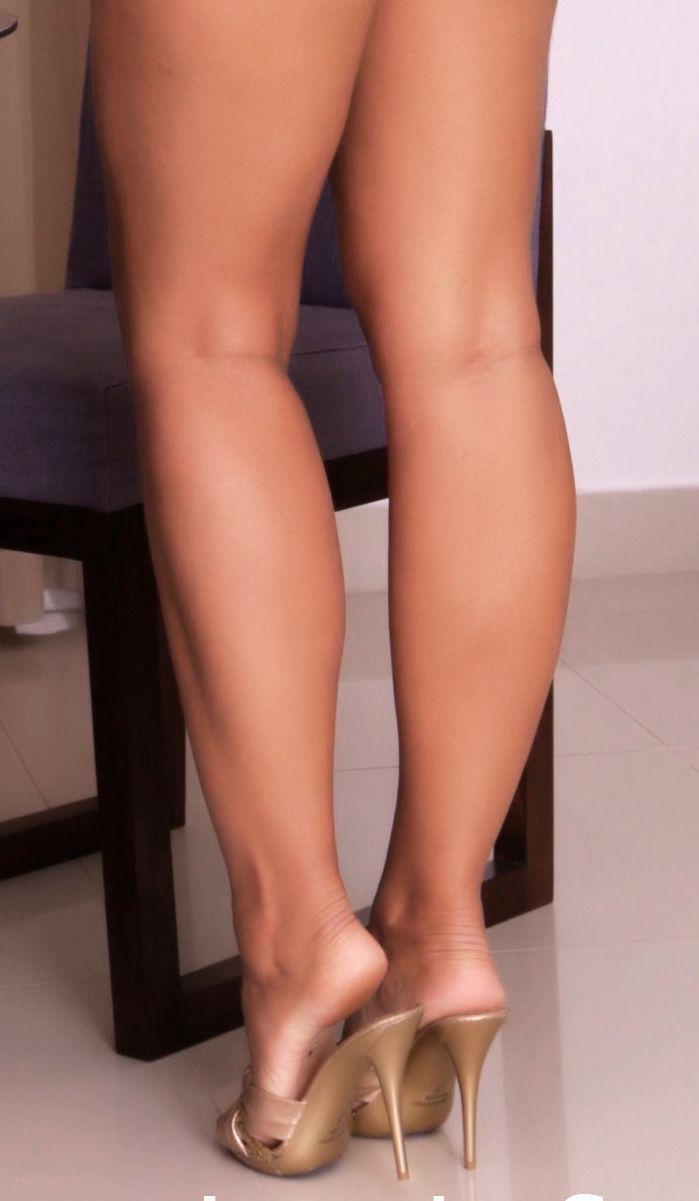 High heels legs pics