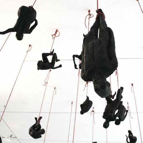 """Nel 2009 espone l'installazione """"Sospesi"""" nella Galleria MXM Arte a Pietrasanta http://musapietrasanta.it/content.php?menu=artisti"""