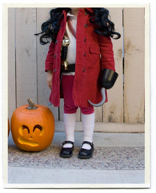 costume childrenu0027s captain hook  sc 1 st  Pinterest & DIY Captain Hook Halloween Costume for Kids   Pinterest   Captain ...