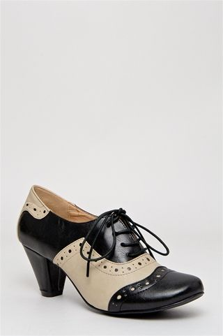 Endlessly Appealing Black And White Vintage Inspired Oxfords Vintage Shoes Oxfords Fashion Chelsea Crew Shoes Vintage Inspired Shoes Vintage Shoes