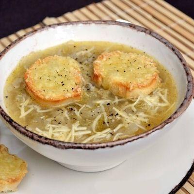 Soupe aux oignons et toasts grillés au gruyère : 35 recettes avec de l'emmental…