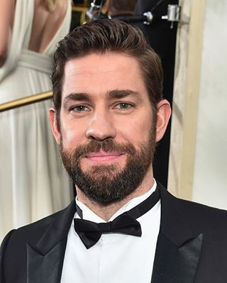 Nbc Comedy Shows On Instagram John Krasinski At The Golden Globes Johnkrasinski Handsome Bearded Men John Krasinski Celebrities Male