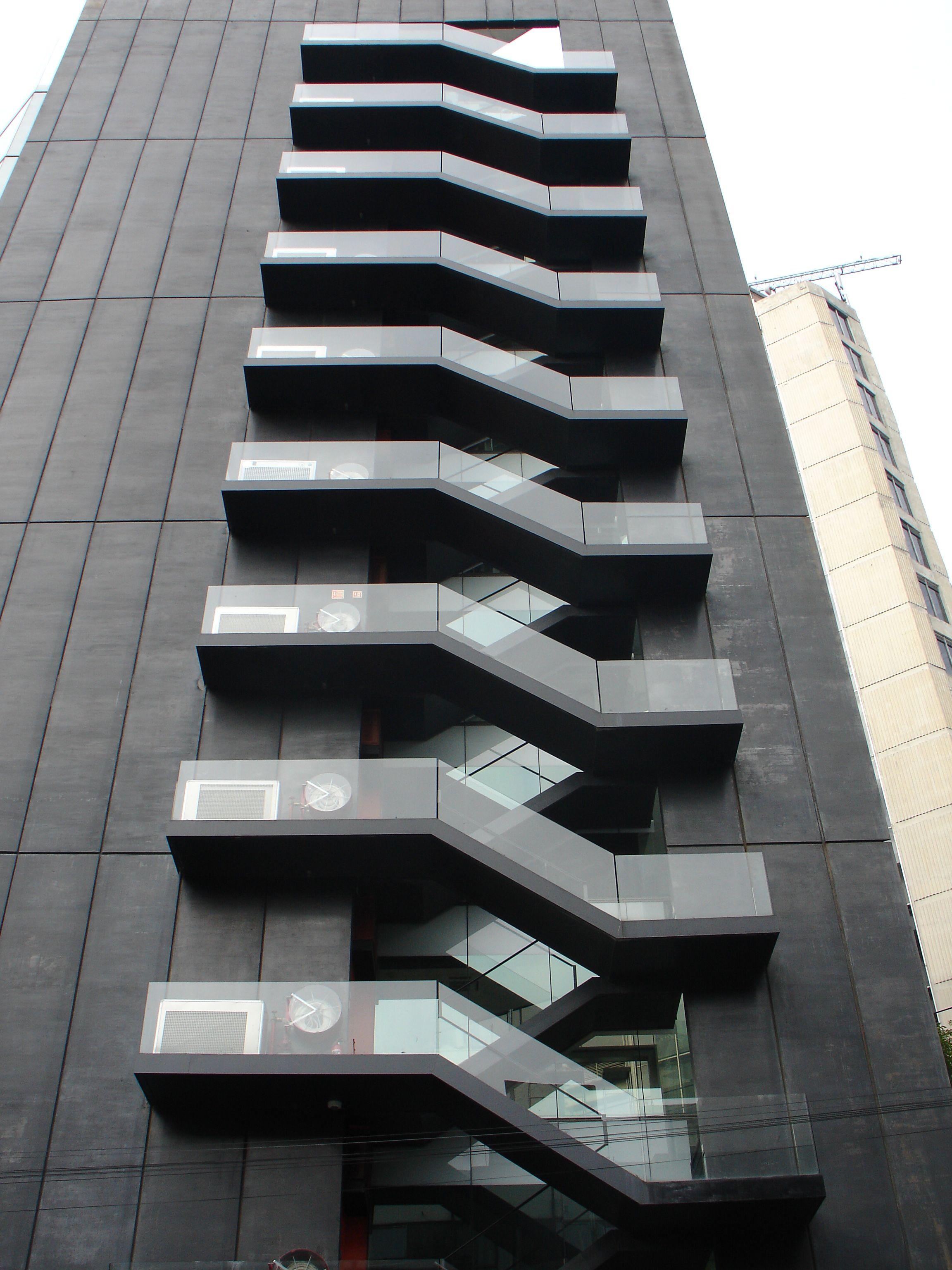 Arquitectura Casas Escaleras Exteriores Arquitectura: Escaleras De Emergencia. Torre Tres Picos. LBR & A Arquitectos