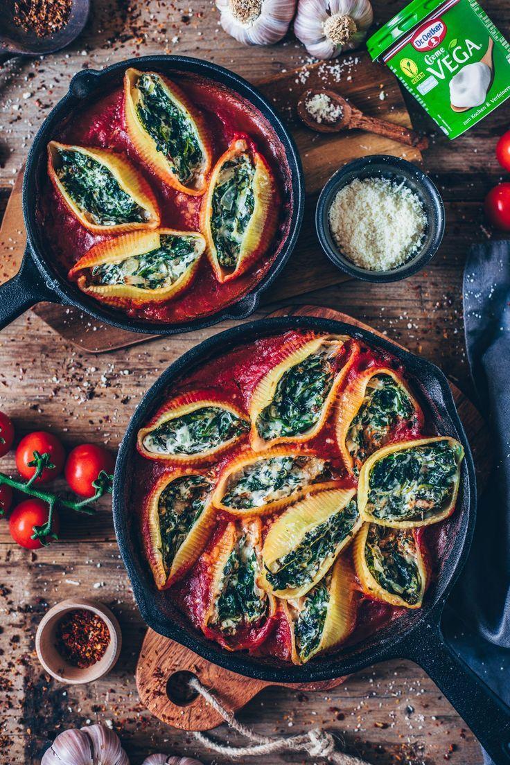 Gefüllte Muschelnudeln mit cremigem Spinat (vegan) - Bianca Zapatka | Rezepte