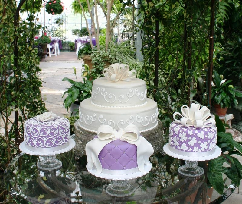 Lavender & Cream Wedding Cakes with 'ribbons' and intricate filigree - really beautiful!