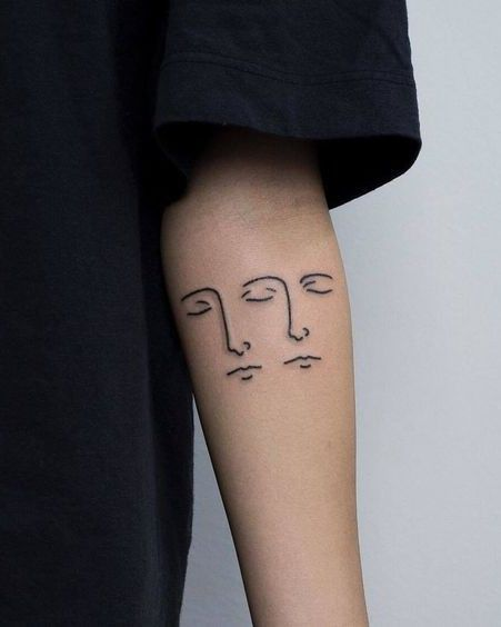 Il n'y a pas encore de critiques publiées ou publiées À propos de cette page Voir plus de... #tattoosandbodyart