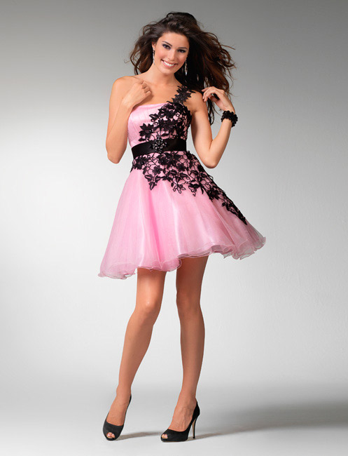 pretty in pink; love this flirty dress! | Morgan stuff | Pinterest ...