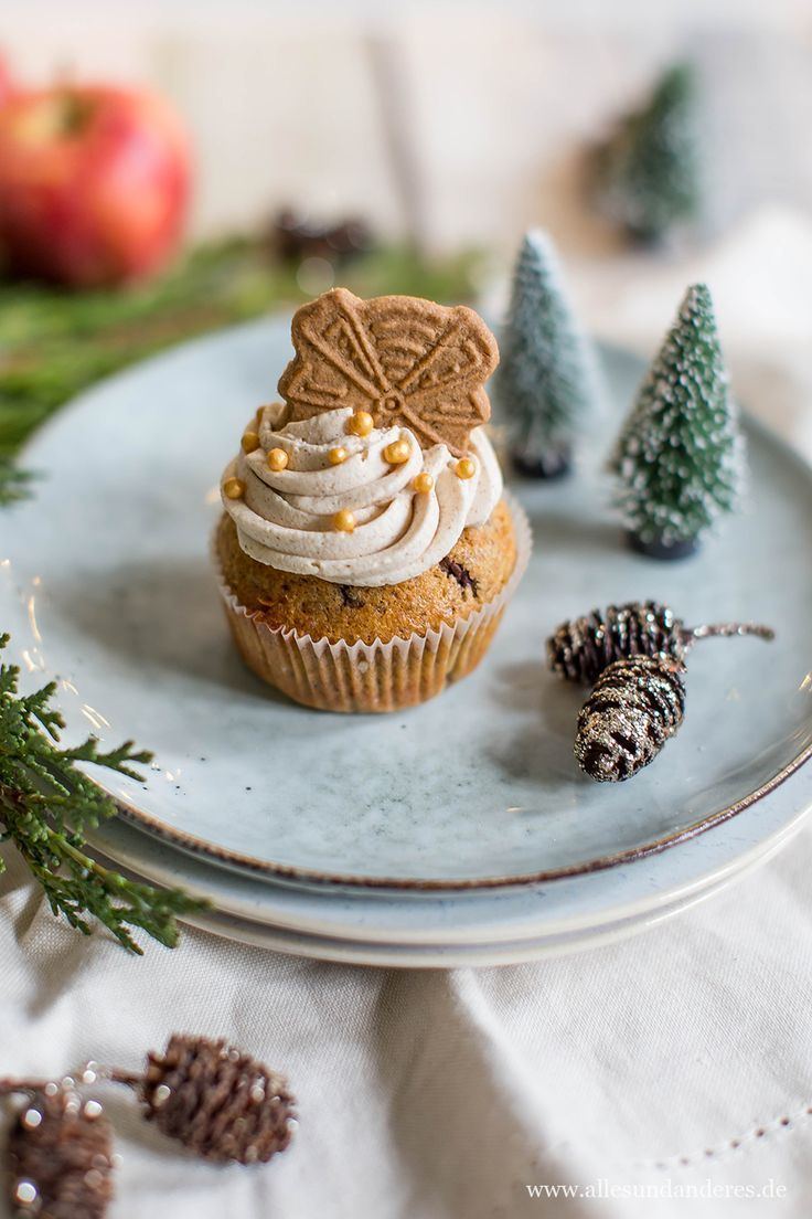 Spekulatius-Cupcakes mit Apfel-Zimt-Füllung #spekulatiuskuchen