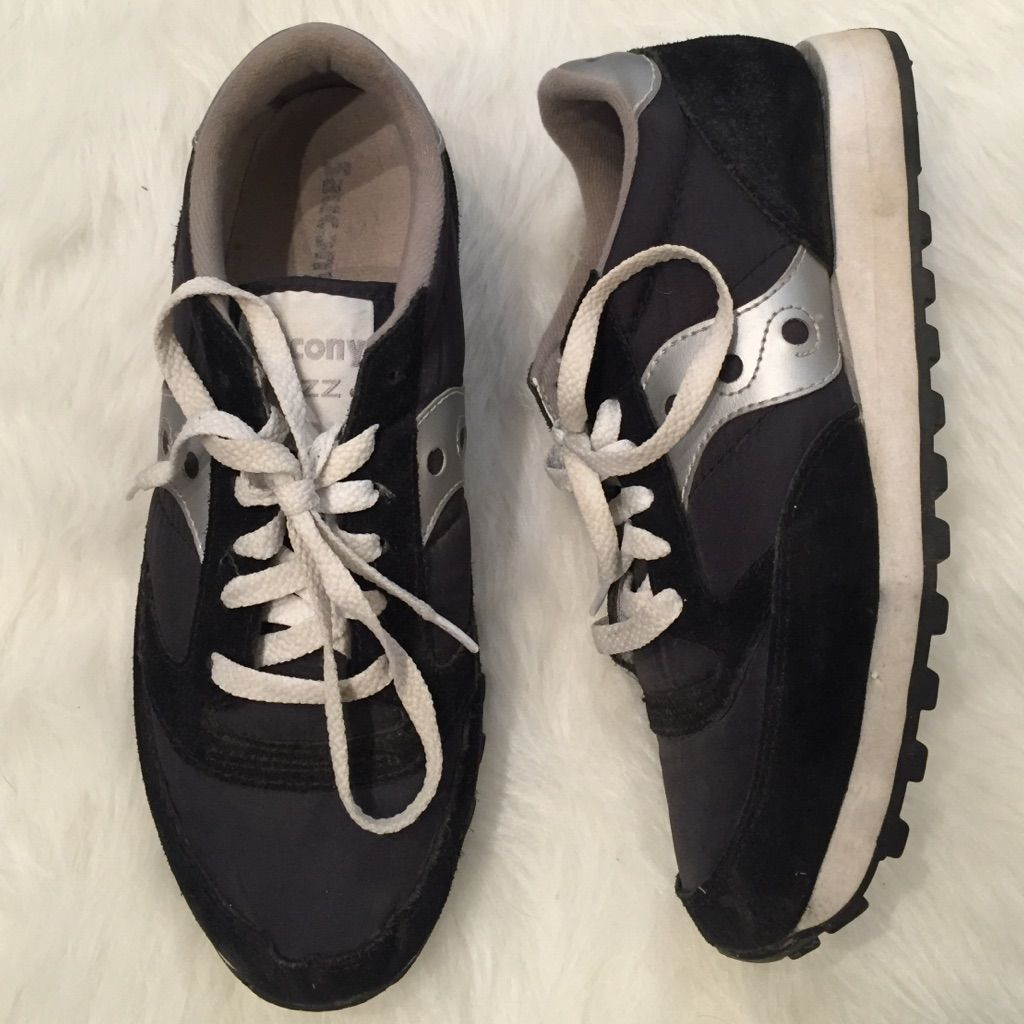 competitive price d46b8 715dc Saucony Shoes | Slightly Used Black Saucony Jazz Sneakers W ...