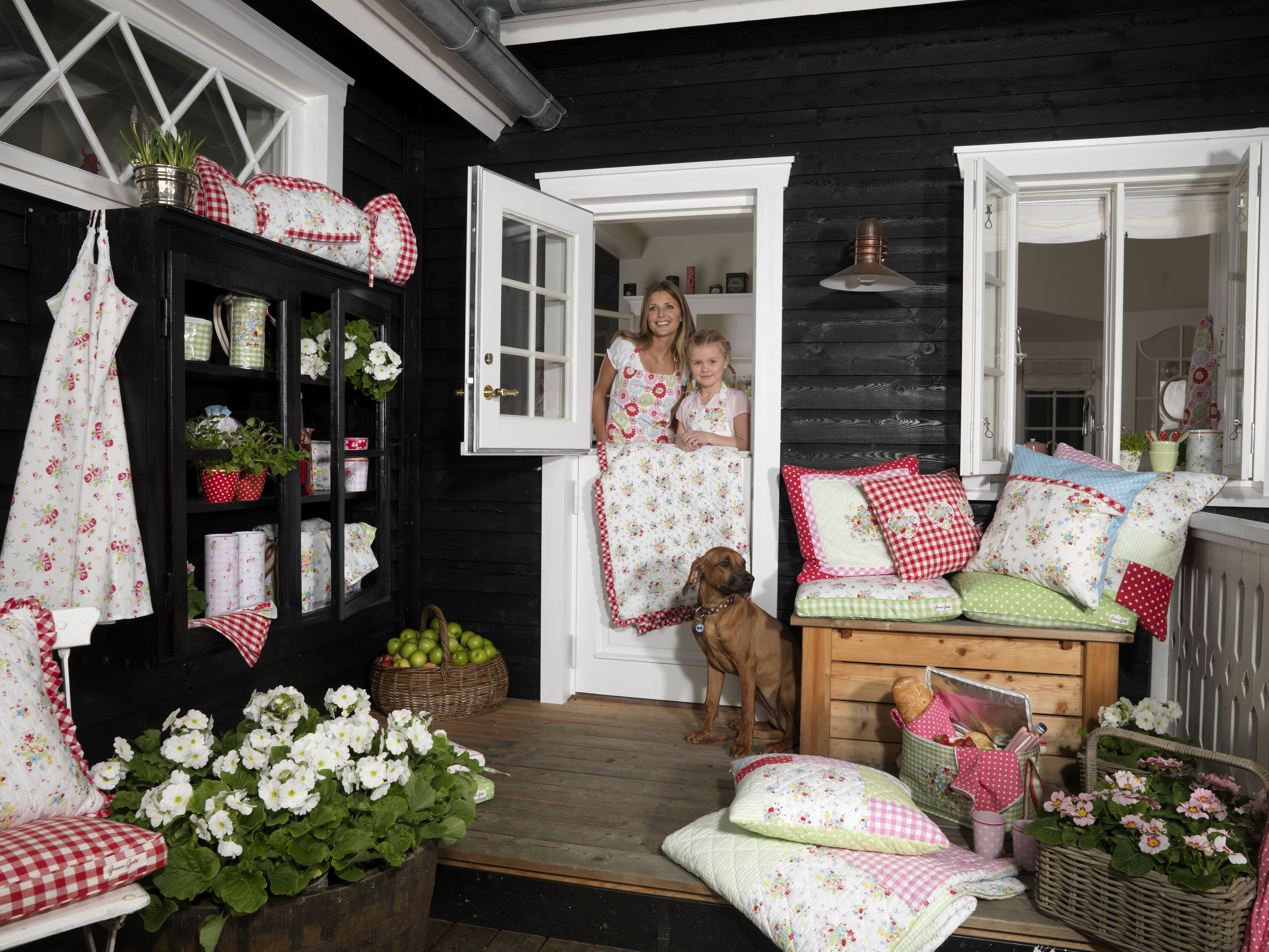 amazing porch swing home decor outdoor decor on porch swing ideas inspiration id=31551