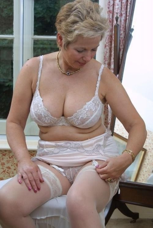 Pure Pleasure Awaits You at Granny Fuck Dating