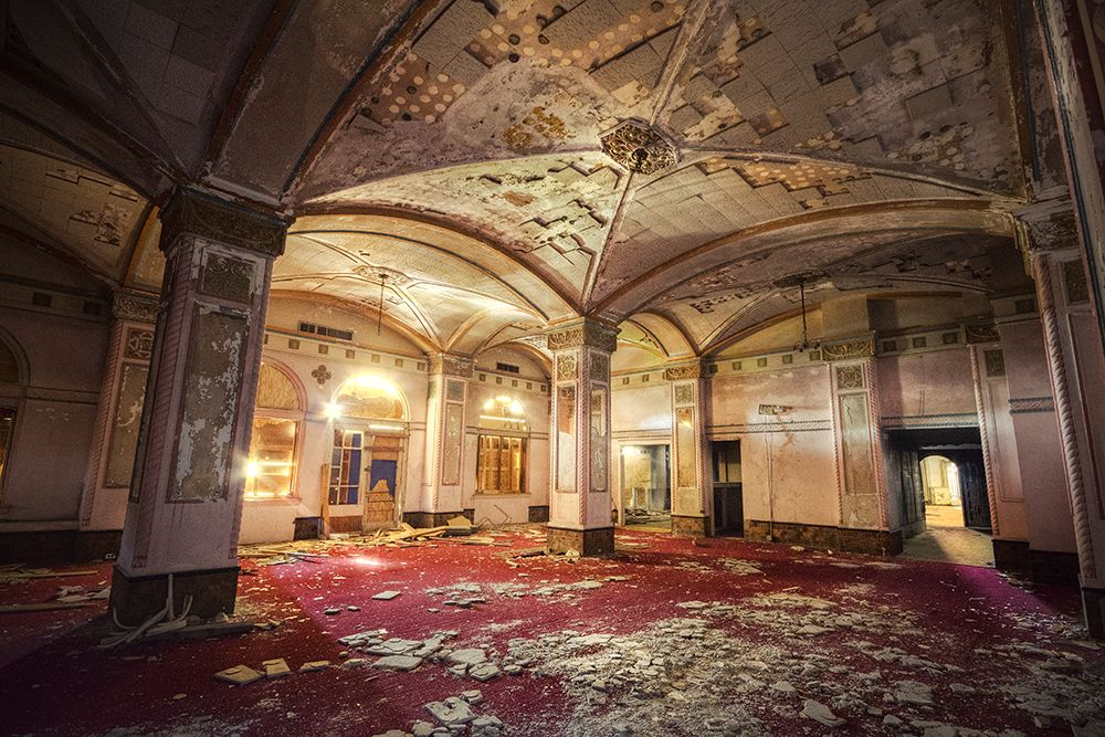 The Baker Hotel Mineral Wells Texas They Ve Talked For Decades About